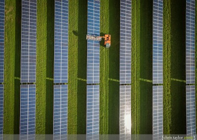 2-solar-farm-cleaning-photography-002